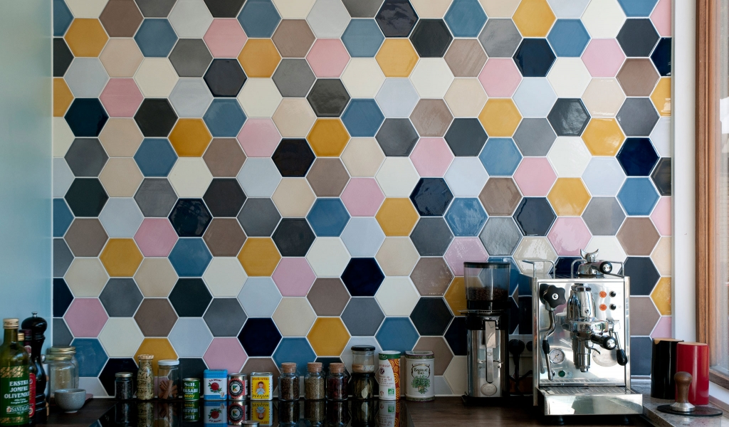 A Patchwork of ten different colors filled with contrast gives a perfect idea of what this tile can do
